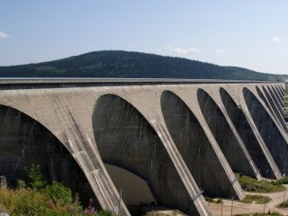 Quebec Pushes Hydropower Utility to Halt New Bitcoin Mines - CoinDesk